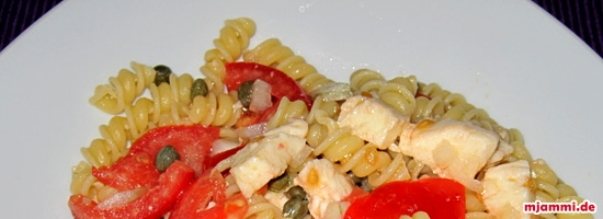 Tomaten-Mozzarella-Kapern-Salat
