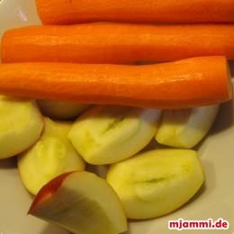 Karotten schälen. Äpfel vierteln und entkernen.