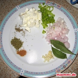 -2 TL Salz, Oregano, schwarzen Pfeffer, 1 Prise geriebene Muskatnuss