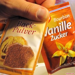 ... das Ei , den Vanille Zucker und das Backpulver) ...