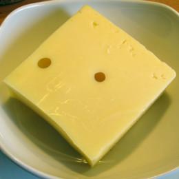 200 g geriebener Käse (Emmentaler oder Bergkäse)