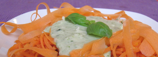 Möhren-Spaghetti mit Kohlrabi-Bärlauch-Soße