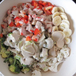 Dann die Sauce über den Salat schütten und aufessen :0)